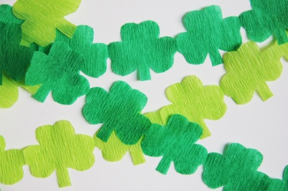 st-patricks-day-streamer-garland-diy-600x399